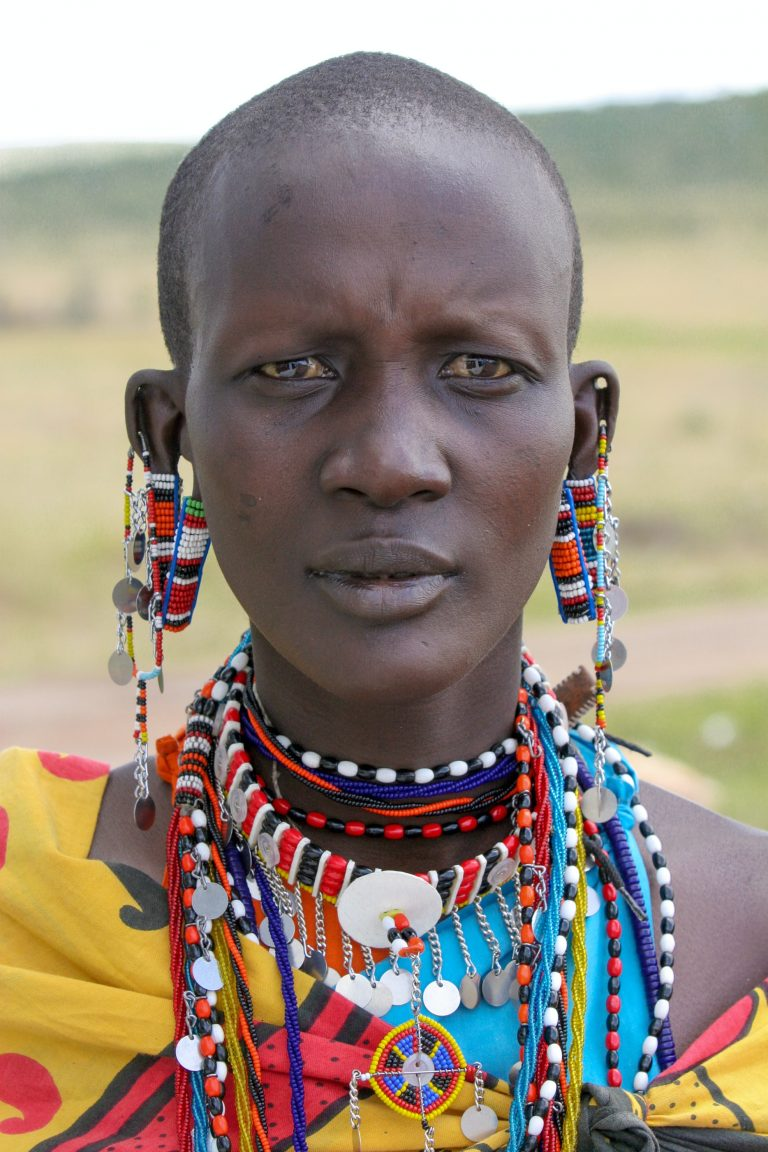 The Symbolism of Elaborate Beaded Jewelry in Traditional Africa
